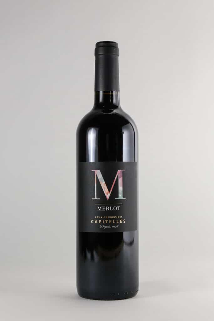 bouteille de vin merlot les Vignerons des Capitelles
